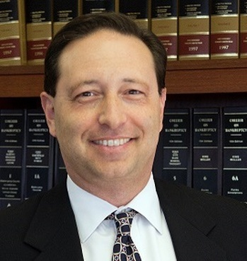 Attorney Michael Dujovne Attends Iron Oak Post Chamber Event
